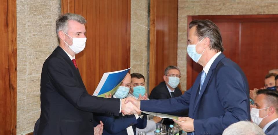 Čelnici Vlada o rješavanju problema putne povezanosti Sarajeva i Tuzle