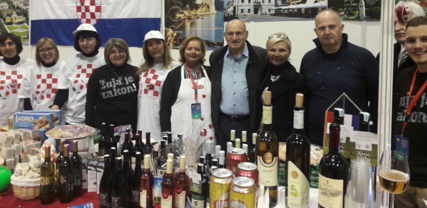 Veleposlanstvo RH proizvodima hrvatskih firmi podržalo ovogodišnji Bazar