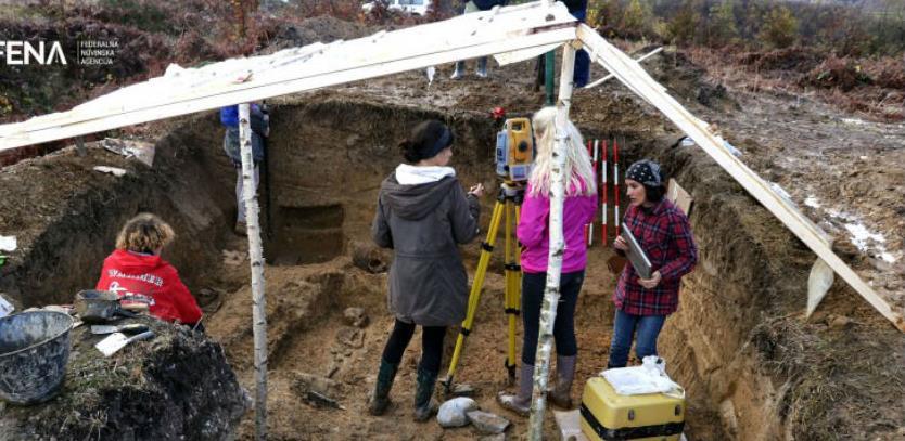 """Nekropola stećaka """"Metaljica"""" otkrila više od 20 skeleta (Video)"""