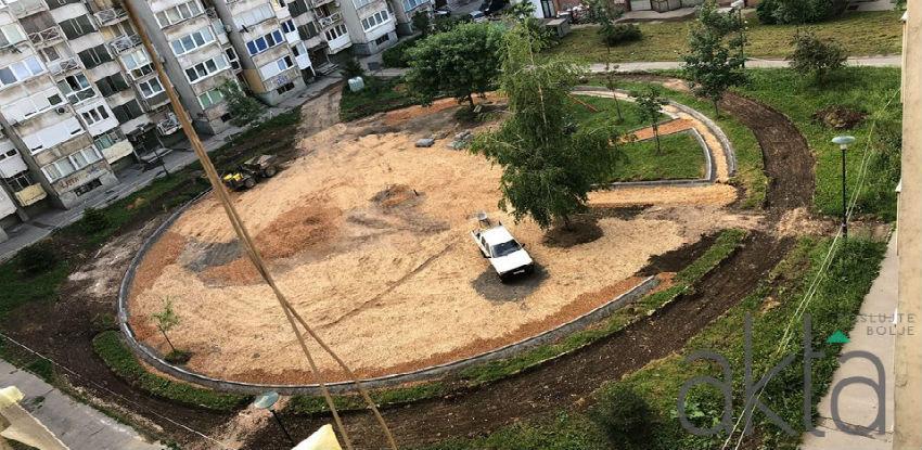 Izgradnja parka i dječijeg igrališta u ulici Envera Šehovića