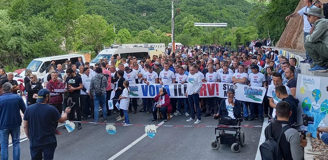 Mještani spriječili početak gradnje MHE, životima brane rijeku Neretvicu