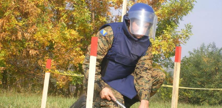 Za veći broj deminera u BiH kraj posla kada se uklone sve mine i NUS