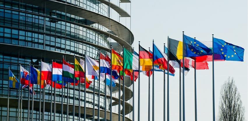 Evropska komisija pripremila 81,4 milijarde eura kredita za 15 država članica