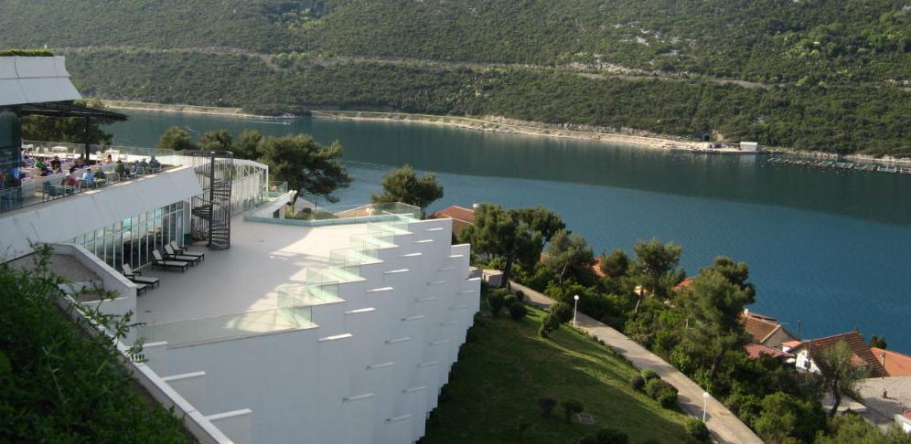 Grand Hotel Neum krajem juna dobit će novi bazen sa sunčalištem