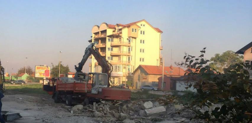 Srušena stara željeznička stanica u Bijeljini, uskoro gradnja nove autobuske