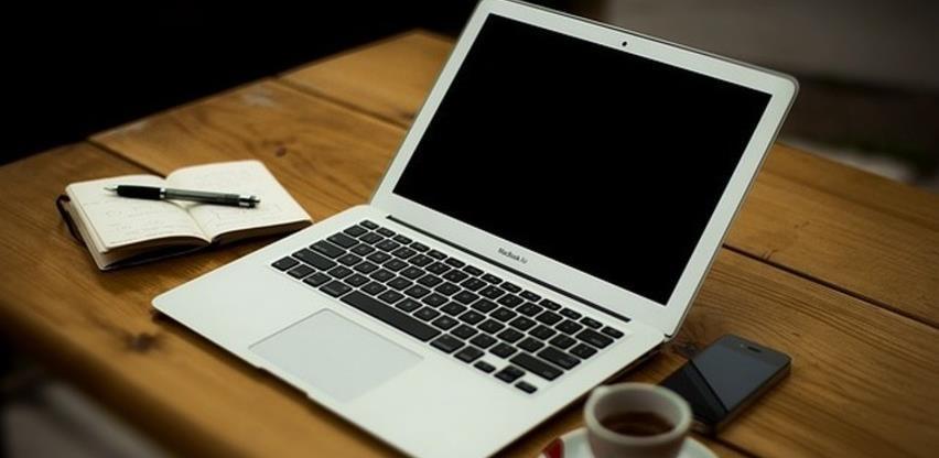 Fraze i riječi koje treba izbjegavati u službenim e-mailovima