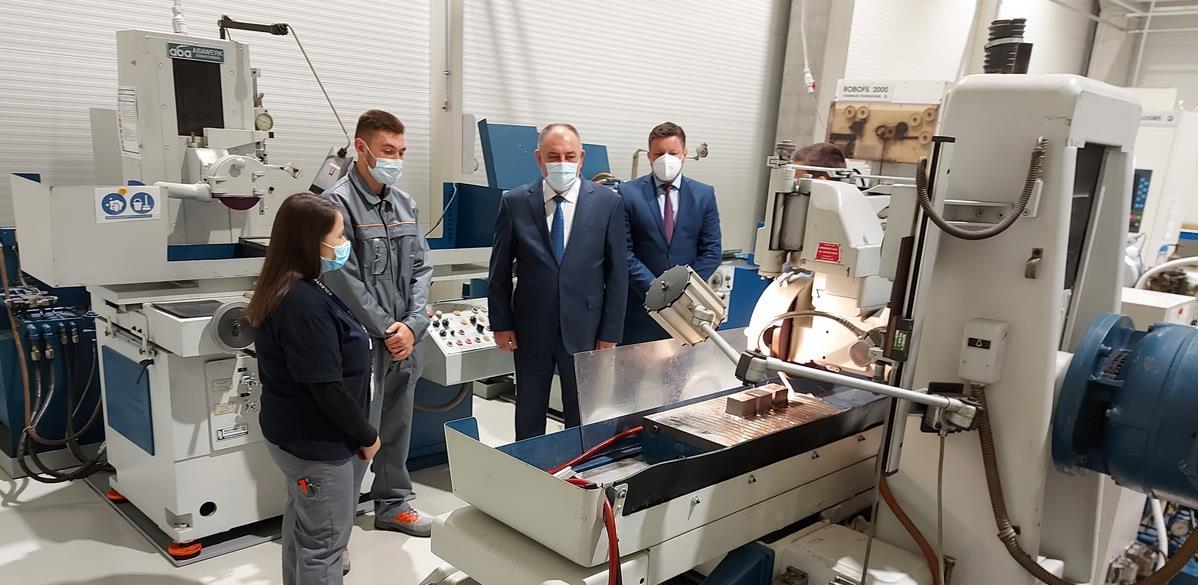 Kolektor u Prijedoru zvanično počeo s radom i primio prve učenike na praksu
