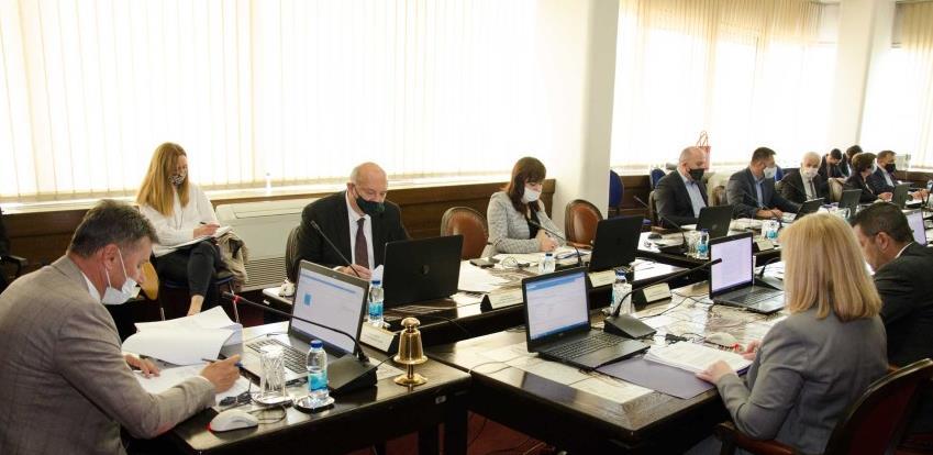 Aktivne mjere u sedam paketa: Usvojen program ekonomskog oporavka FBiH