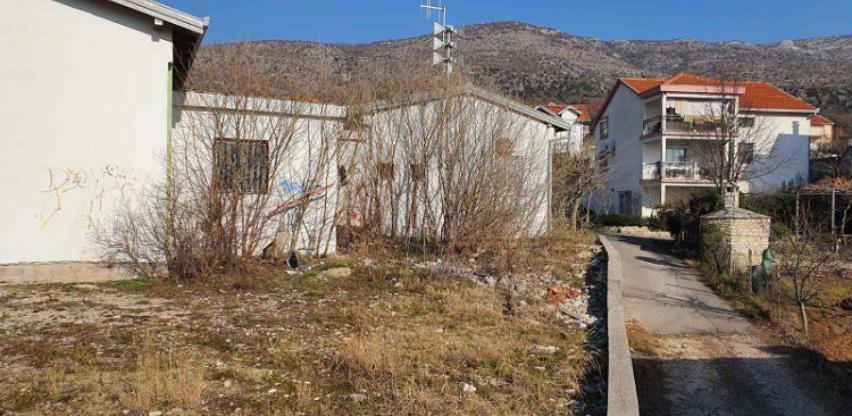 """Kompanija dm pomaže obnovu zelene oaze """"Dračevice"""" kod Mostara"""