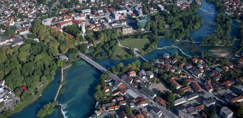 Bihać: Potpisan sporazum za navodnjavanje poljoprivrednog zemljišta