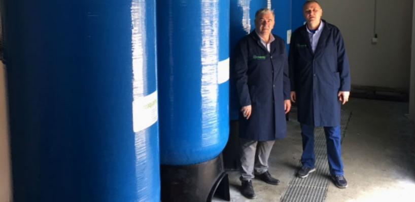 Kompanija se u svojoj primarnoj djelatnosti bavi projektovanjem, izradom i inžinjeringom sistema za tretiranje prečišćavanje vode.