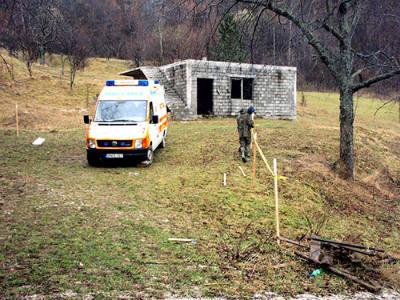 U toku deminiranje naselja Vrbica