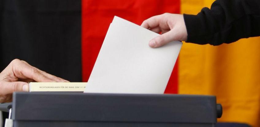 Saveznici kancelarke Merkel izgubili većinu na ključnim bavarskim izborima