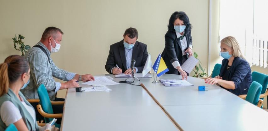 Potpisani ugovori za izvođenje radova na asfaltiranju 20 ulica u Novom Gradu