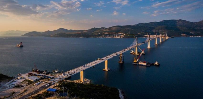 Može li Pelješki most srušiti zemljotres, hoće li izdržati potencijanli udar broda i orkanske bure?