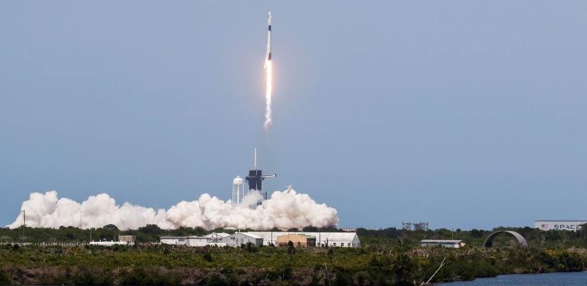 Uspješno lansirana raketa SpaceX-a, NASA u svemir ponovno leti s tla SAD-a