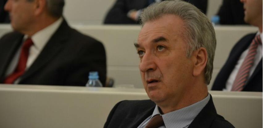 Ministar Šarović pokreće proceduru za zaštitu domaće drvoprerađivačke industrije
