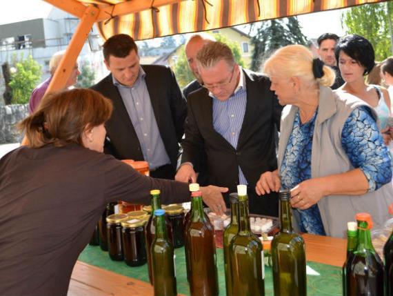 Jedanaest proizvođača s područja USK na 5. Bosanskokrupskom sajmu meda