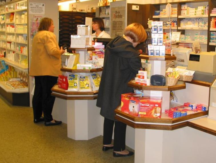Pojeftinjenje na čekanju zbog farmaceutskih lobija