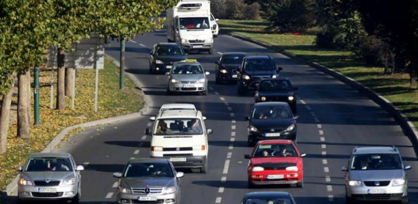 Osporen obračun naknade troškova prijevoza zaposlenih u upravi RS-a