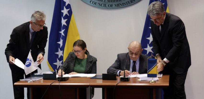 Potpisani ugovori: Stiže novac za vodovod Plava voda i deponiju u Živinicama
