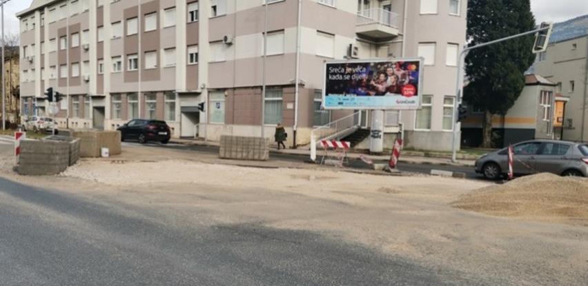 Pripremni radovi za postavljanje asfalta na mostarskom bulevaru