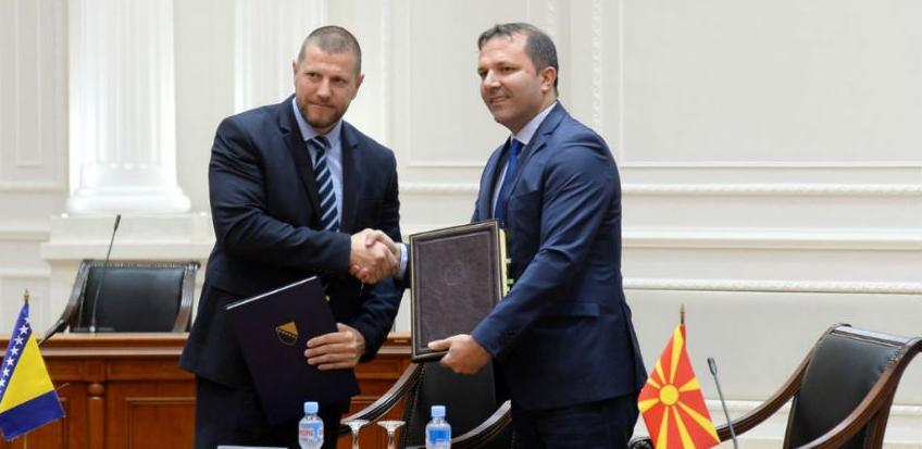 Potpisan sporazum: BiH i Makedonija međusobno priznaju vozačke dozvole