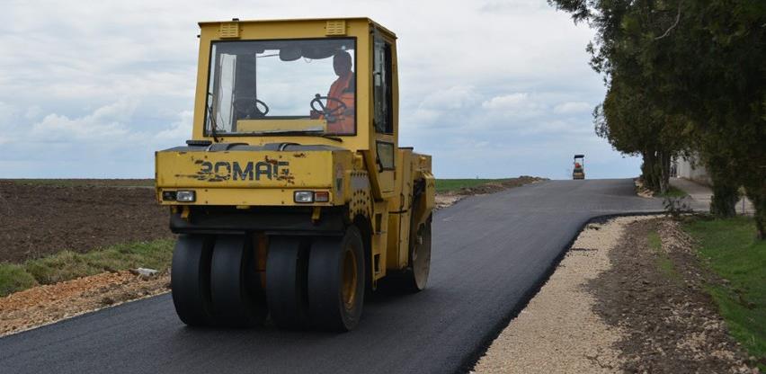 Firma Dejokop vršit će asfaltiranje lokalnih cesta na području općine Orašje