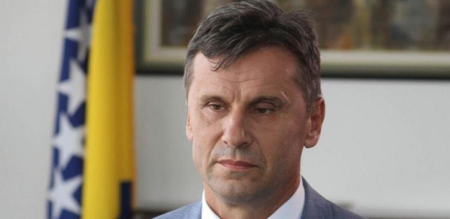 Novalić: Smanjit ćemo plate u javnom sektoru