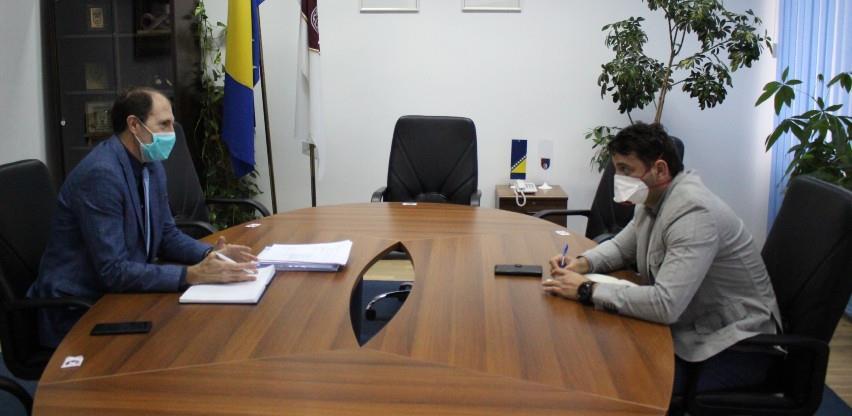 Nenadić na sastanku s Kafedžićem: Morat ćemo kršiti moratorij o zapošljavanju