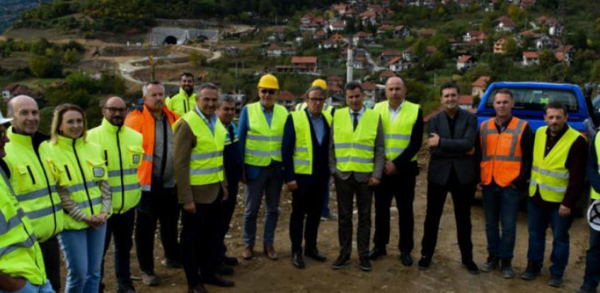 Novalić, Lasić i Terzić obišli gradilišta autoceste Koridora Vc