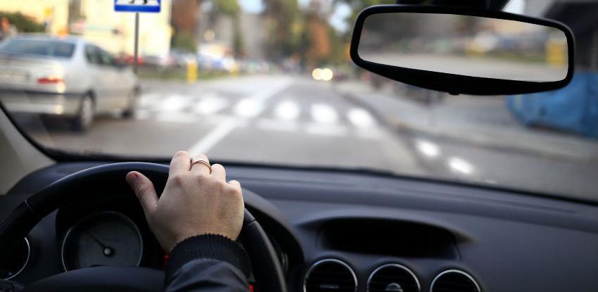 U RS-u jeftinija registracija vozila, polisa umanjena za 10 posto