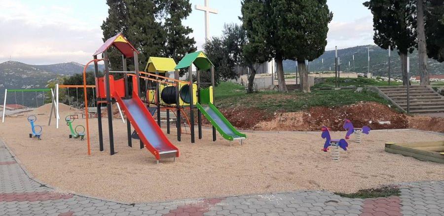 U Neumu završena prva faza izgradnje dječjeg igrališta na Spomen obilježju
