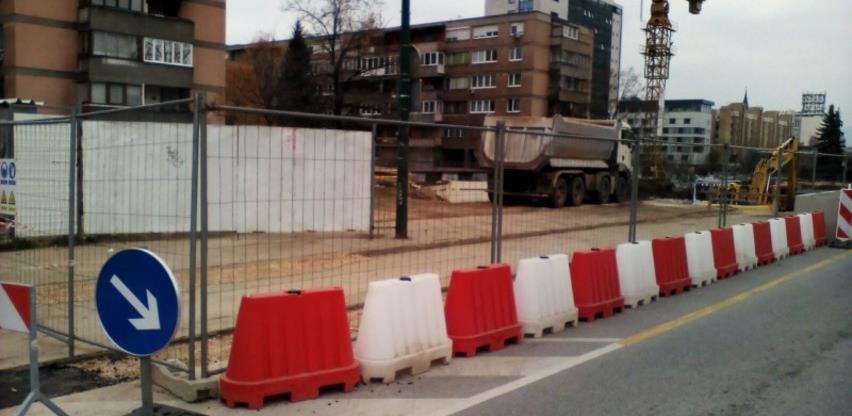 Nakon nekoliko mjeseci zastoja intenzivirana izgradnja podzemne garaže u Kolodvorskoj