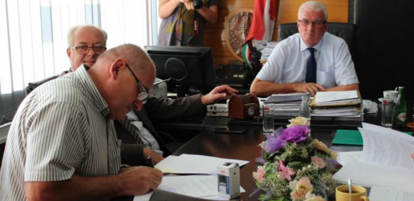 Potpisani ugovori o izgradnji regionalnih cesta u SBK-u