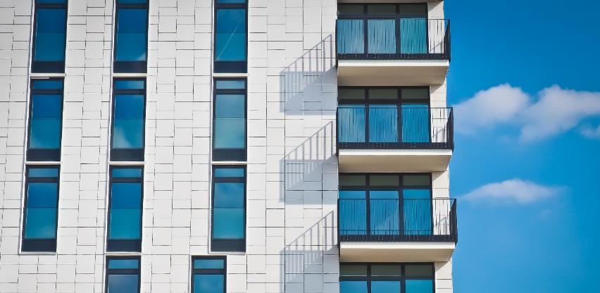 Vlada propisala uslove i kriterije bodovanja za kupovinu stana po nižoj cijeni za mlade
