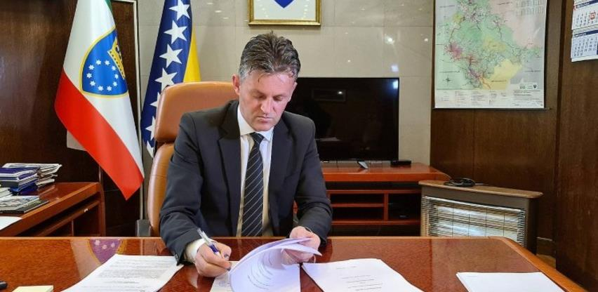 Bašić potpisao ugovor o zaduženju za projekt Plava voda