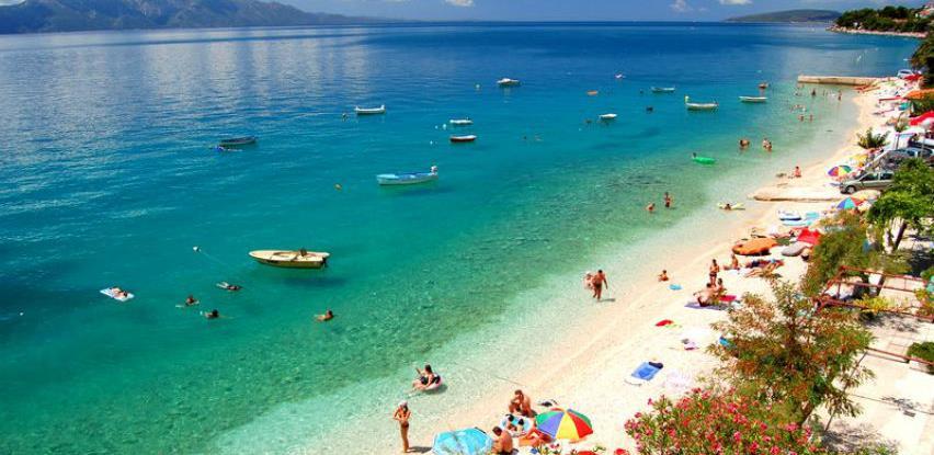 Hrvatska izdala preporuke za kupanje u moru i na bazenima