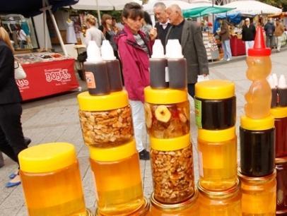 U Tuzli otvoren 2. međunarodni sajam pčelarstva