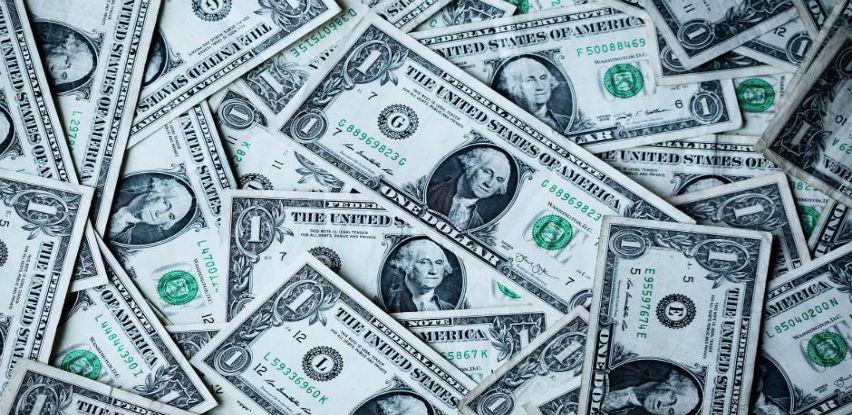 Dolar blago ojačao prema košarici valuta