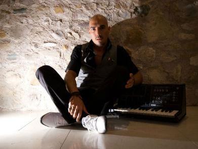 Noć techno muzike u Sarajevu: Sam Paganini u Domu mladih