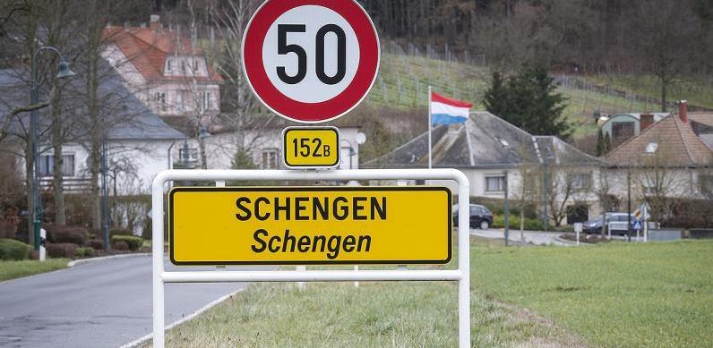 EU ne razmatra prekid putovanja unutar Schengenske zone