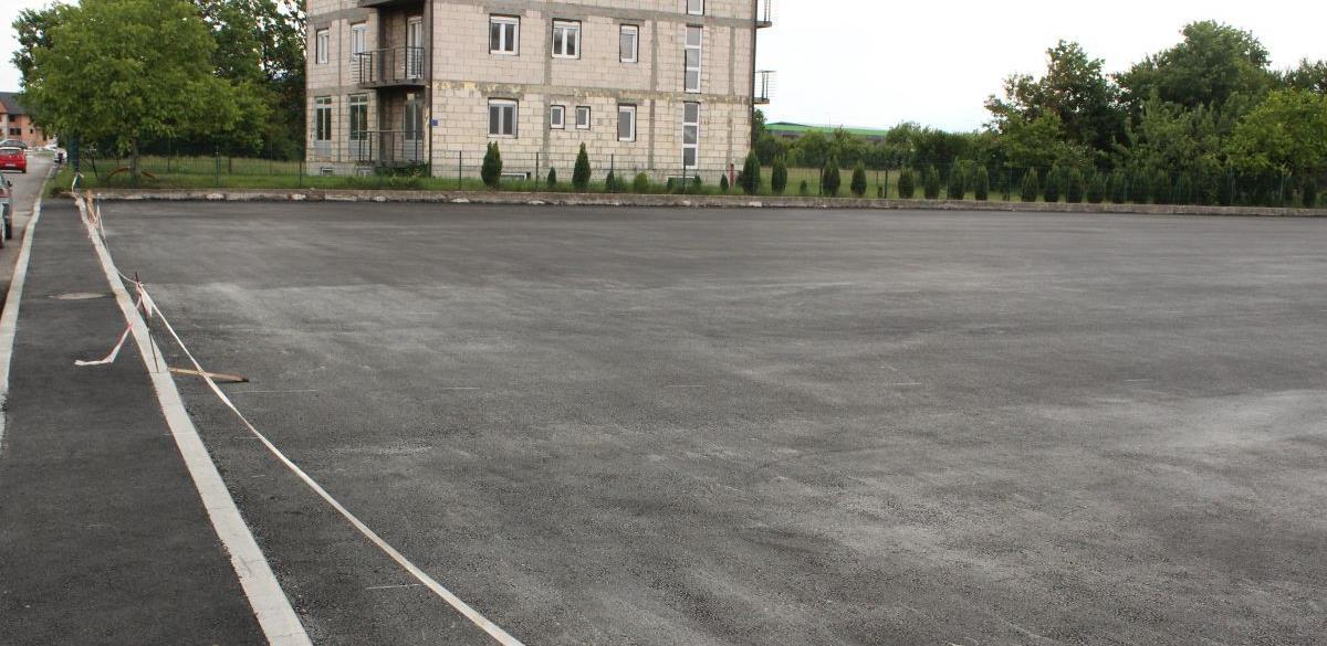 Završena izgradnja parkinga kod Srednjoškolskog centra u Živinicama