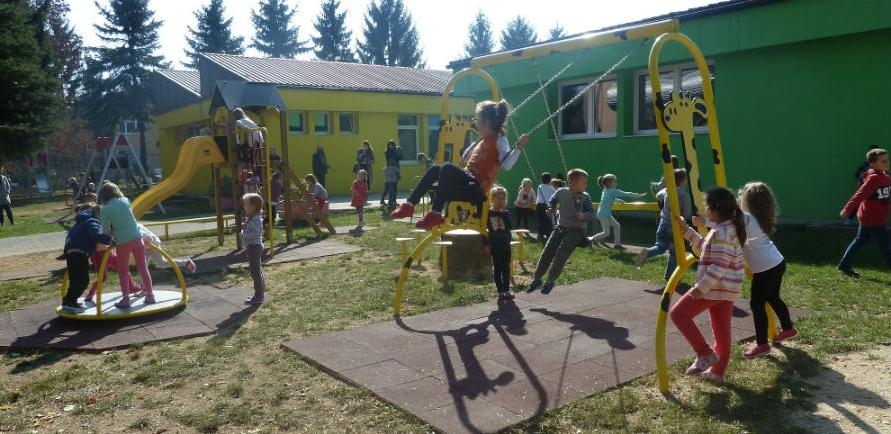 Svečano otvorena tri nova Rafa Žirafa igrališta za djecu