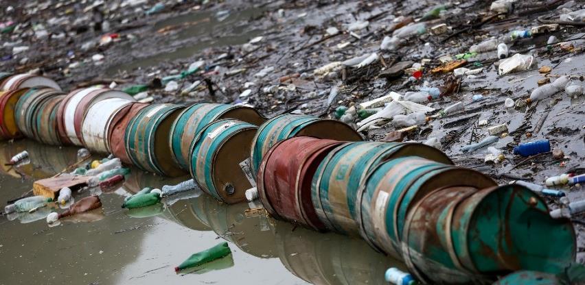 Košarac organizovao sastanak o problemu plutajućeg otpada na Drini