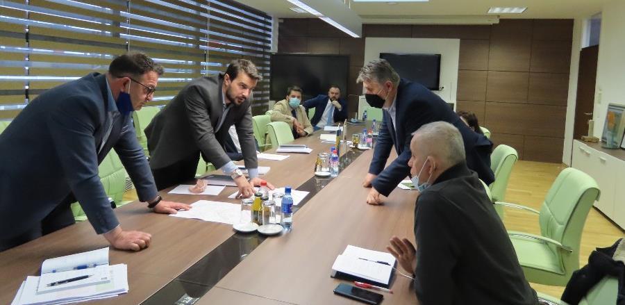 Hadžiahmetović i Muzur pokušavaju naći rješenje za školu na Stupu