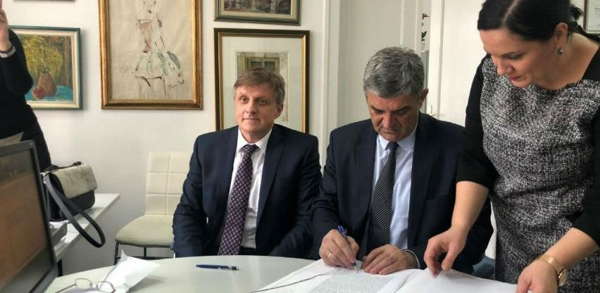 Potpisan ugovor o kupoprodaji građevinskog zemljišta u Hastahani