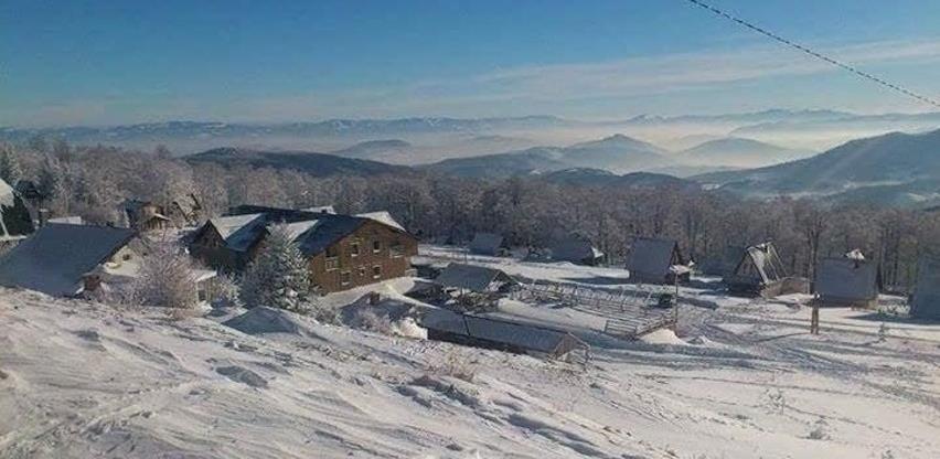 U Cazin na skijanje: Uskoro otvaranje skijališta u Stovrelima