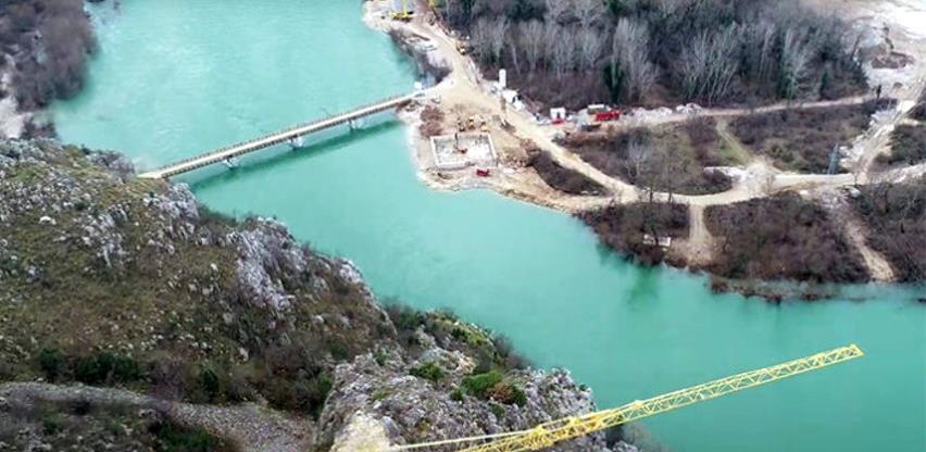 Most u Počitelju dobiva prve obrise (VIDEO)