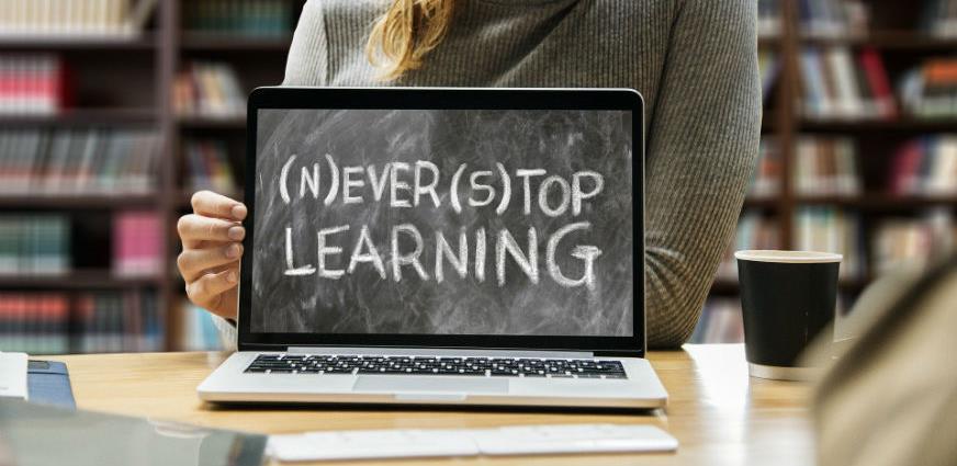 Fakultet eMPIRICA i STEM akademija nude pomoć u organizovanju online nastave